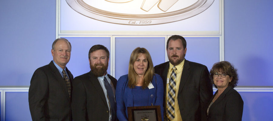 Fish Tale Wins Top Boat Dealer Award